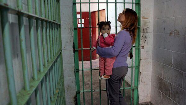 В женской тюрьме #13